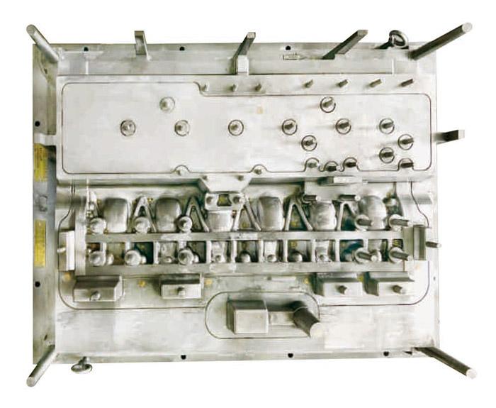 CT00-100玉柴缸体静压线模具1